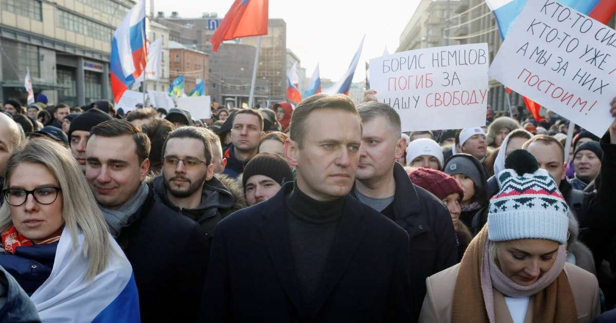 ec8db8eb84ac 3 25.jpg?resize=412,232 - Putin's Opponent Alexey Navalny Poisoned After Suspicious Tea-Time
