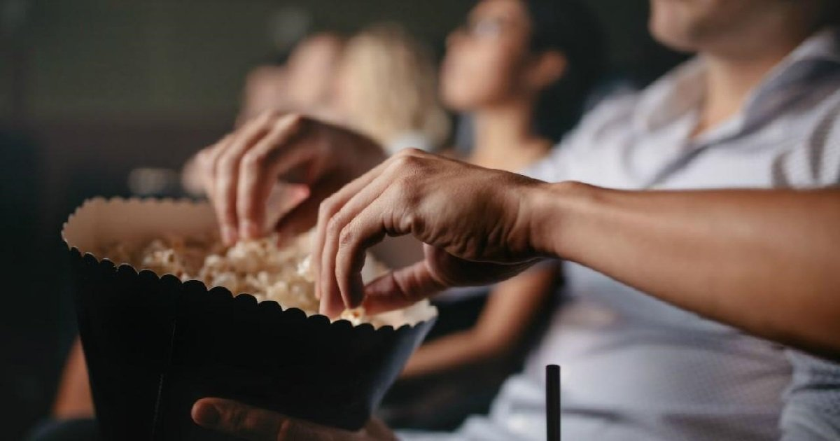 popcorn.jpg?resize=412,232 - Fait Divers: un adolescent est mort dans un cinéma en mangeant du popcorn