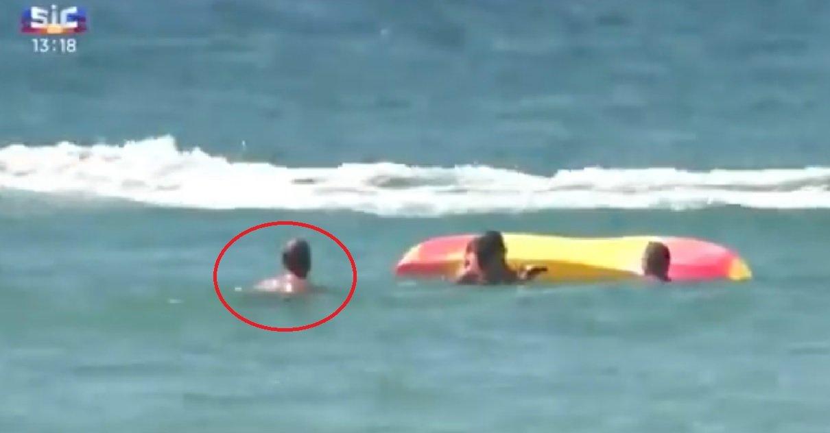 pt.jpg?resize=1200,630 - Héros du jour: le président portugais s'est jeté à l'eau pour sauver deux baigneuses