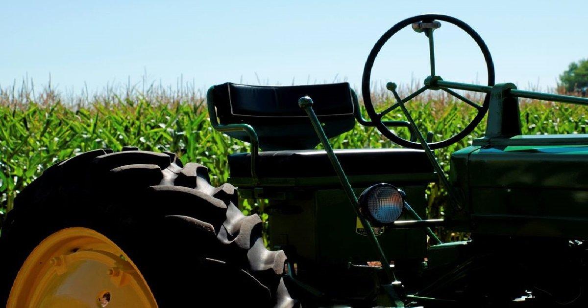 tracteur.jpg?resize=412,232 - Bretagne: un agriculteur meurt après être resté 19 heures sous son tracteur