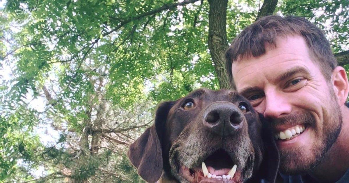 12 8.jpg?resize=412,232 - Il apprend que son chien va mourir d'un cancer et décide de l'emmener faire un road trip exceptionnel