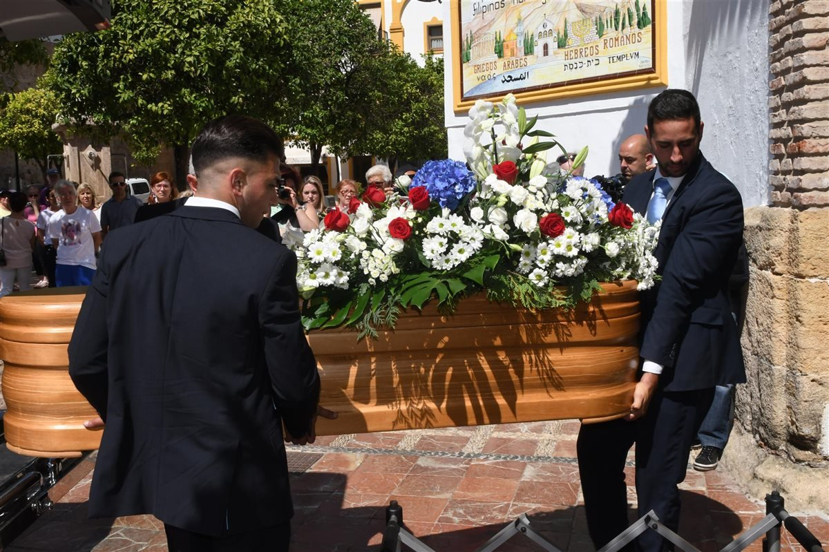 El conmovedor funeral de David Delfín en Marbella