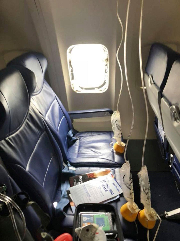 Los 20 minutos de caos y terror a bordo del vuelo 1380 de Southwest Airlines