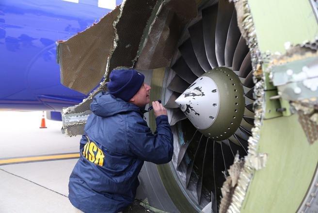 Una mujer falleció luego de haber sido succionada por la ventana del avión - Va a gustarme