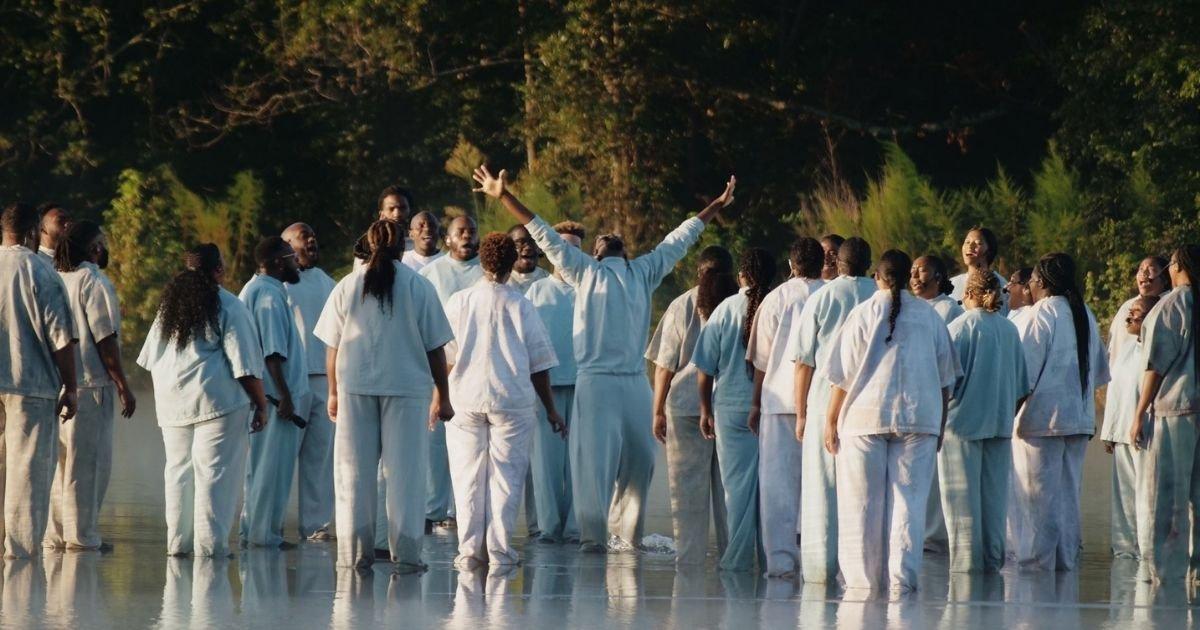 3161273 kim kardashian twitter2 1599626931 1.jpg?resize=1200,630 - Kanye West Shocks Fans As He 'Walks On Water'