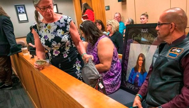 Sexo virtual y una macabra propuesta: la adolescente que asesinó a su mejor amiga por 9 millones de dólares - MisionesOnline