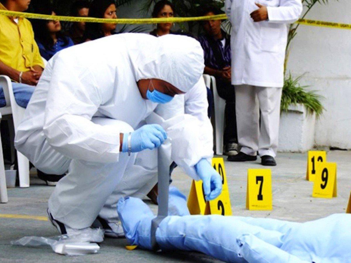 Tras contagiarse con un cadáver, forense muere infectado de Covid-19 | La  Verdad Noticias