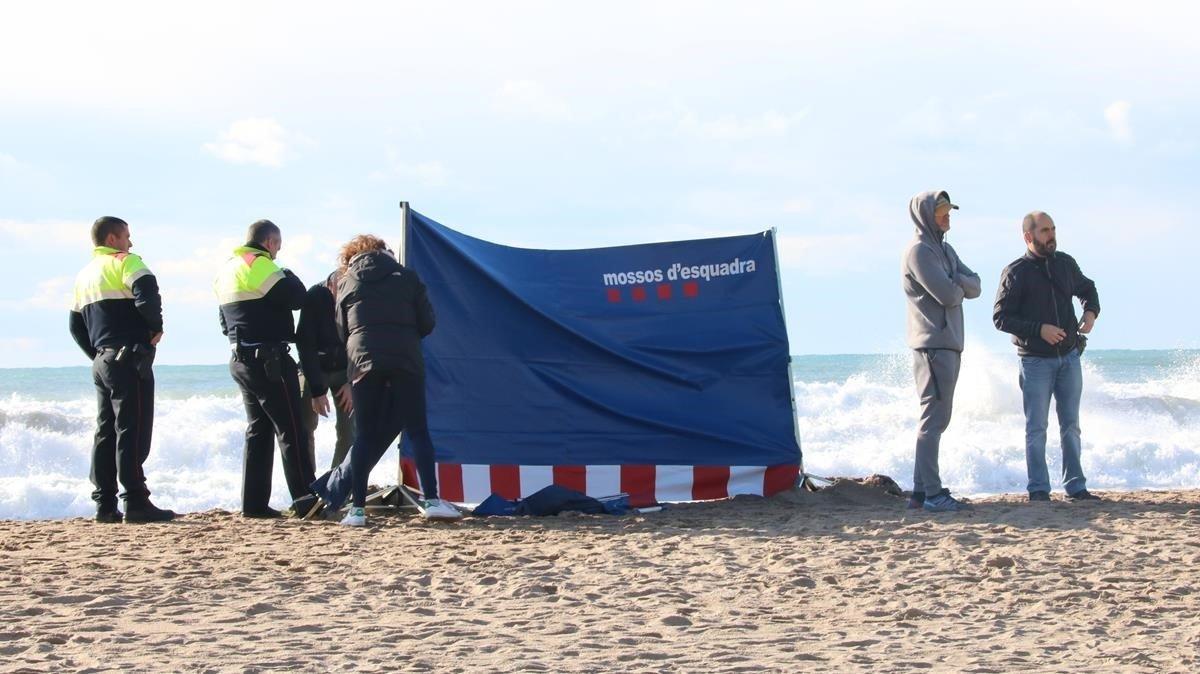 Muere ahogado un hombre de 64 años en una playa de Sitges