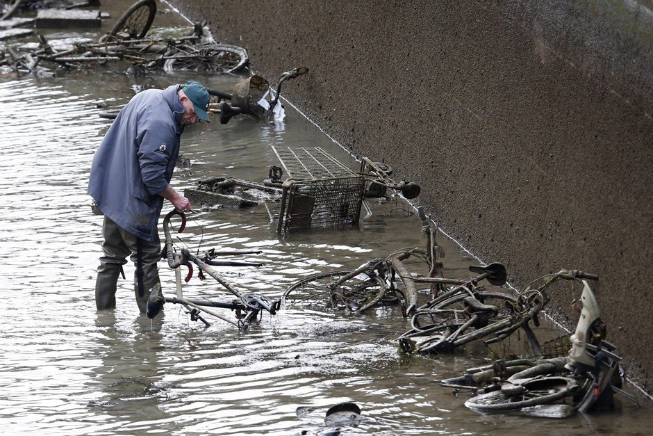 Paris Canal Drained After 200 Years