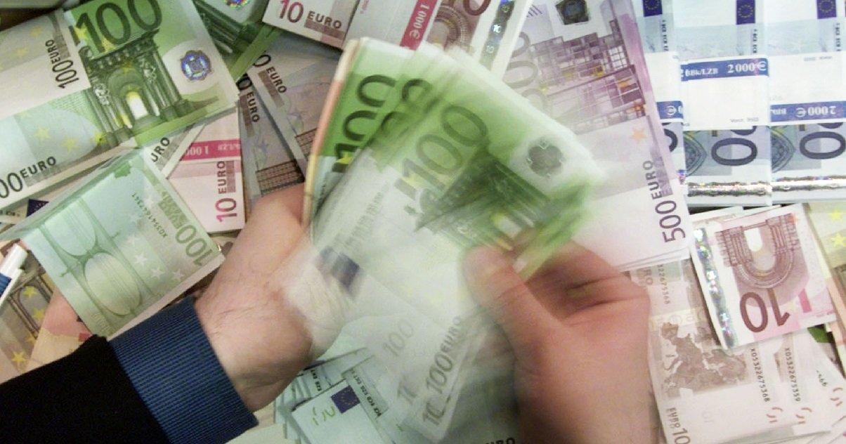 argent.jpg?resize=1200,630 - En vacances en Vendée, un couple à gagner 500.000 euros