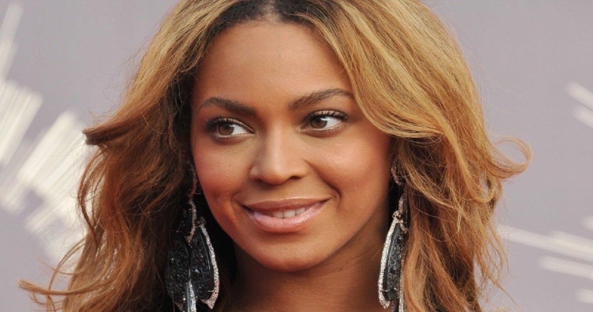 """beyonce.jpeg?resize=412,232 - Beyoncé vient de donner 1 million à des entreprises appartenant à des """"Noirs"""""""