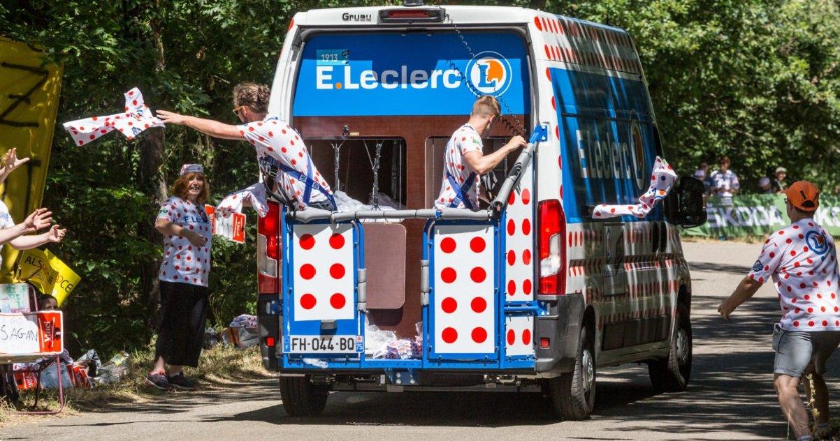 caravane.jpg?resize=1200,630 - Tour de France: un enfant de 4 ans a été percuté par un véhicule de la caravane publicitaire
