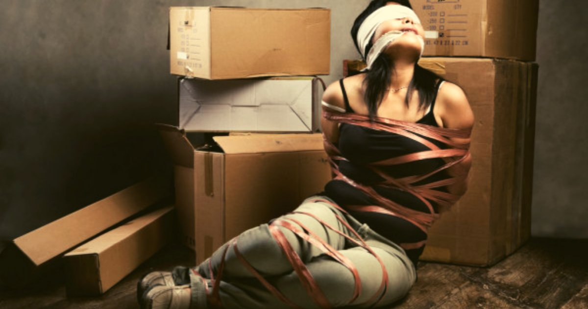 diseno sin titulo 125.png?resize=412,275 - Hombre Es Detenido Por Violar Y Agredir Diariamente A Una Mujer Que Encerró Durante Meses