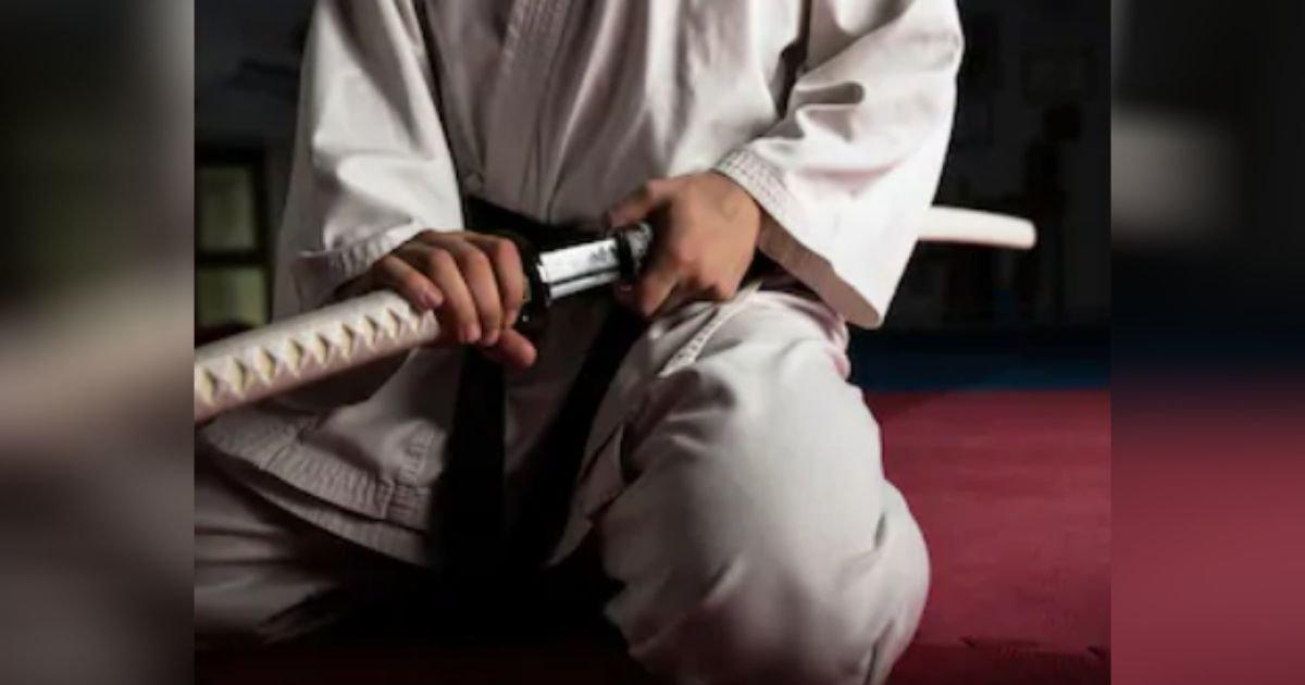 diseno sin titulo 30.jpg?resize=1200,630 - Mujer Es Atada Y Obligada A Ver A Su Ex Cortar El Miembro De Su Novio Con Una Espada Samurái