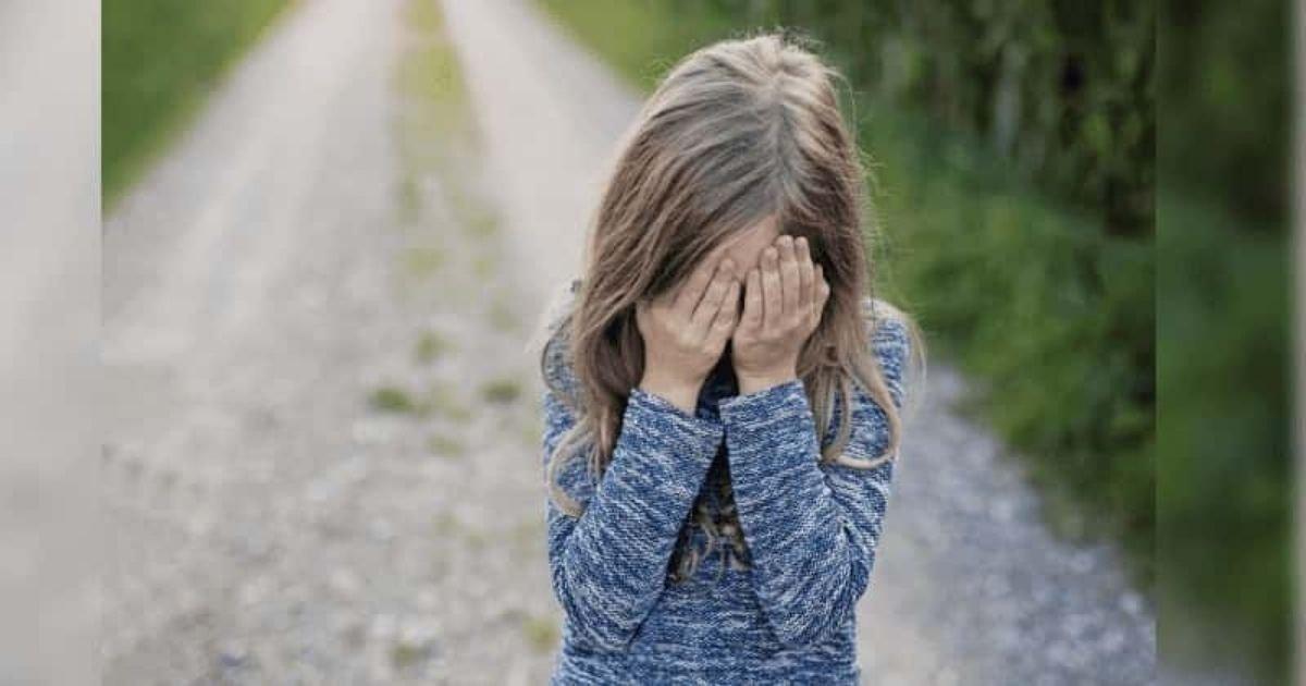 diseno sin titulo 4.jpg?resize=412,232 - Policía Lleva A Su Cuarto Y Abusa De La Hija De 11 Años De Un Amigo