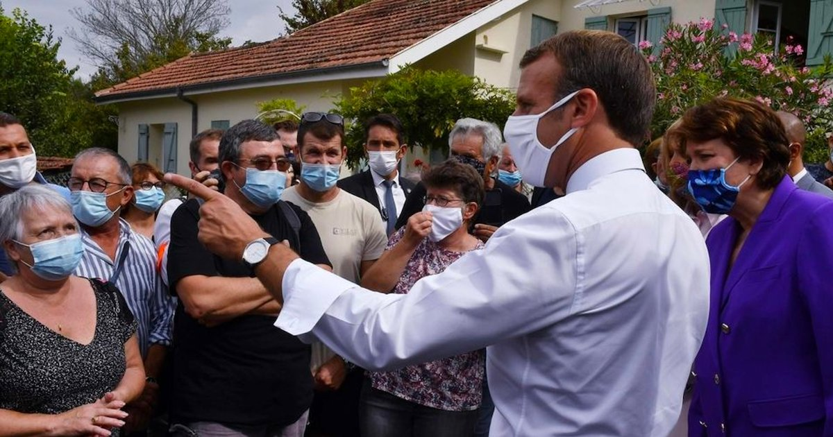 emmanuel macron 1.png?resize=412,232 - Emmanuel Macron montre l'exemple et refuse de retirer son masque pour prendre une photo