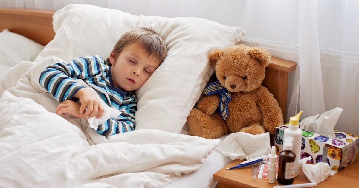 enfant covid.jpg?resize=412,232 - Coronavirus: quels sont les symptômes de la maladie chez les enfants ?