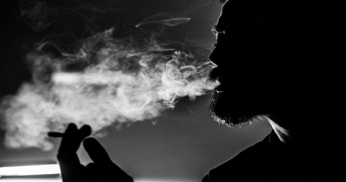 fumeur.jpg?resize=1200,630 - Un géant du tabac annonce que les cigarettes pourraient disparaître d'ici 10 à 15 ans