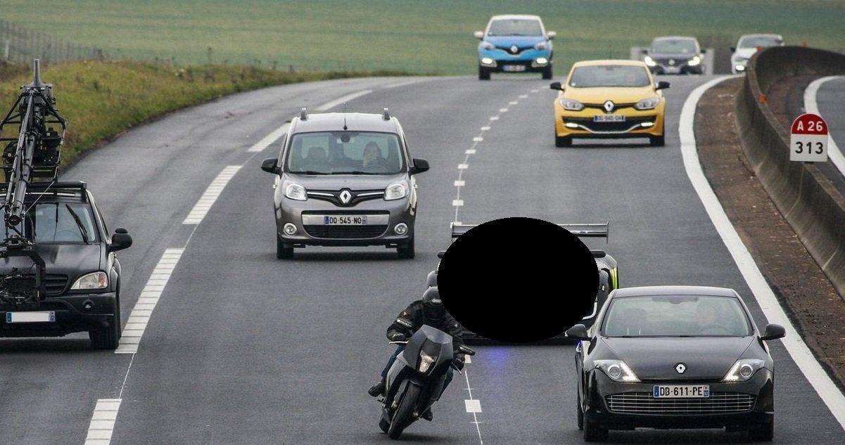 gen 1.jpg?resize=412,275 - Découvrez le nouveau bolide de la gendarmerie nationale qui peut rouler à 250 km/h