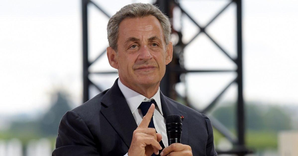 """la provence 1 e1599229240380.jpg?resize=412,275 - Nicolas Sarkozy défend le professeur Raoult : """"Il a fait ce qu'il a pu"""""""