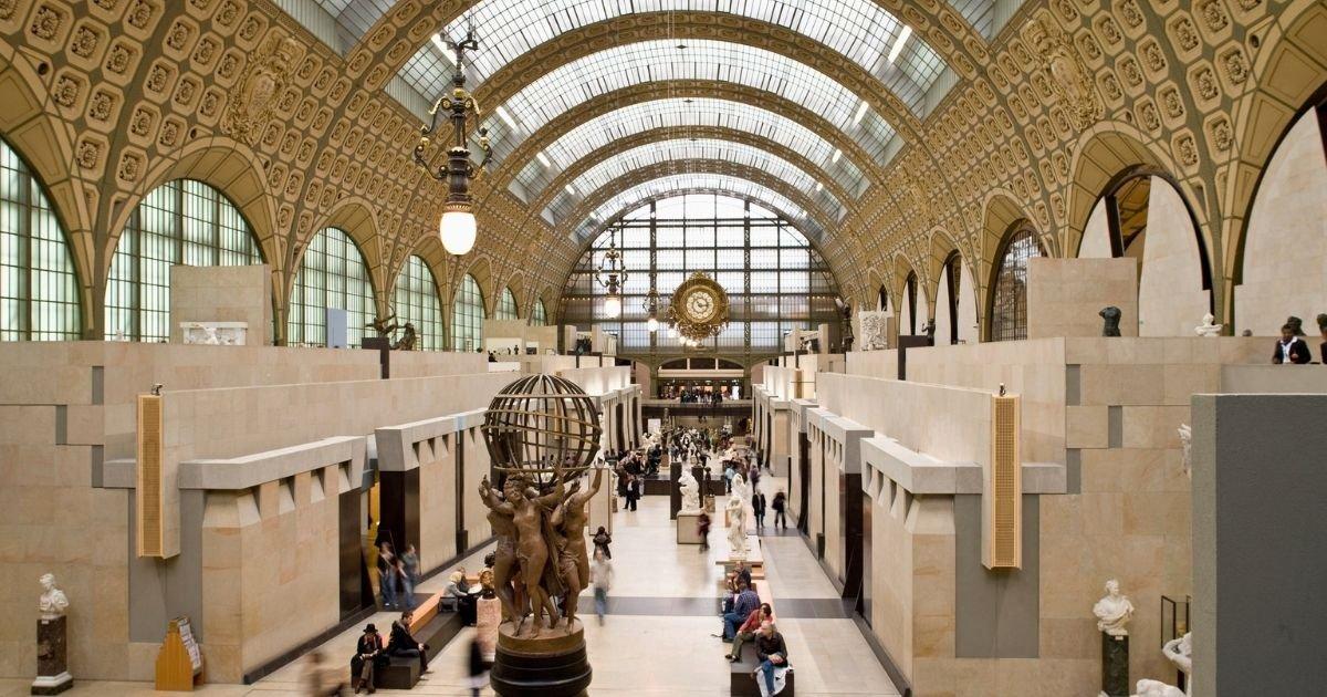 vonjour22.jpg?resize=1200,630 - Des Femen manifestent en plein musée d'Orsay