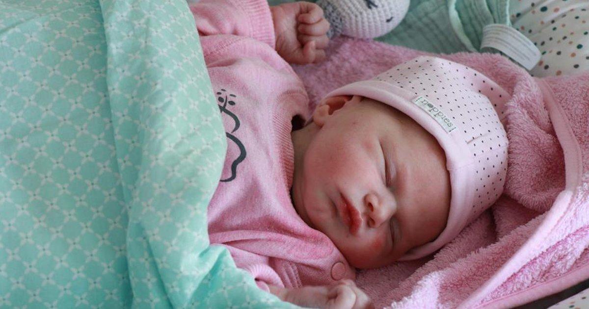 1 177.jpg?resize=412,232 - Nombran A Su Bebé Como A Una Empresa De Internet Y Les Regalan 18 Años De Wifi Gratis