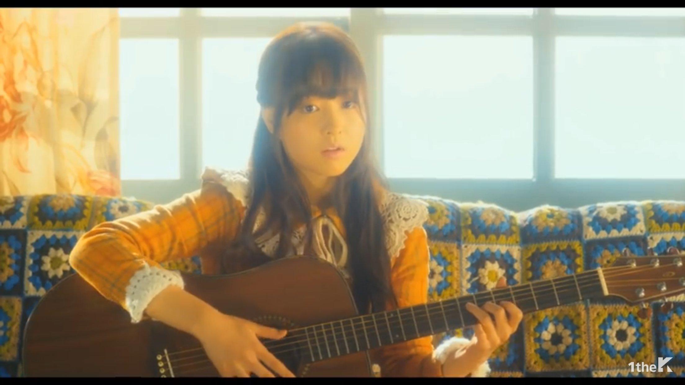 기타 치는 여자::짱공유-자유·수다