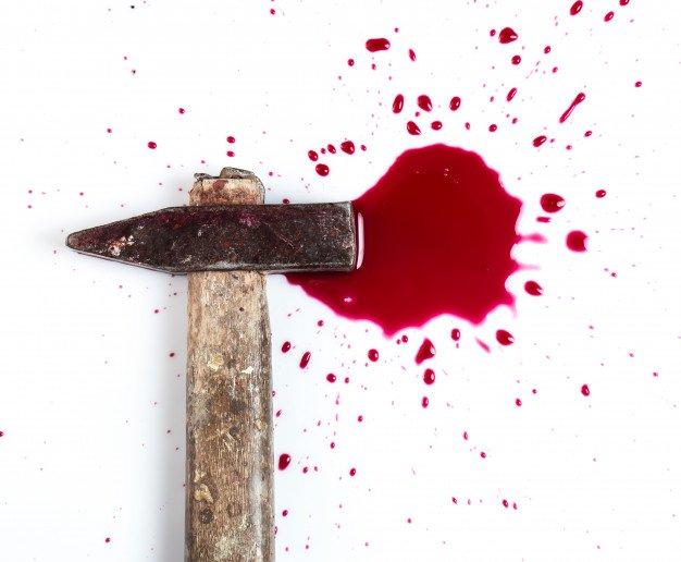 Sangre y martillo | Foto Gratis
