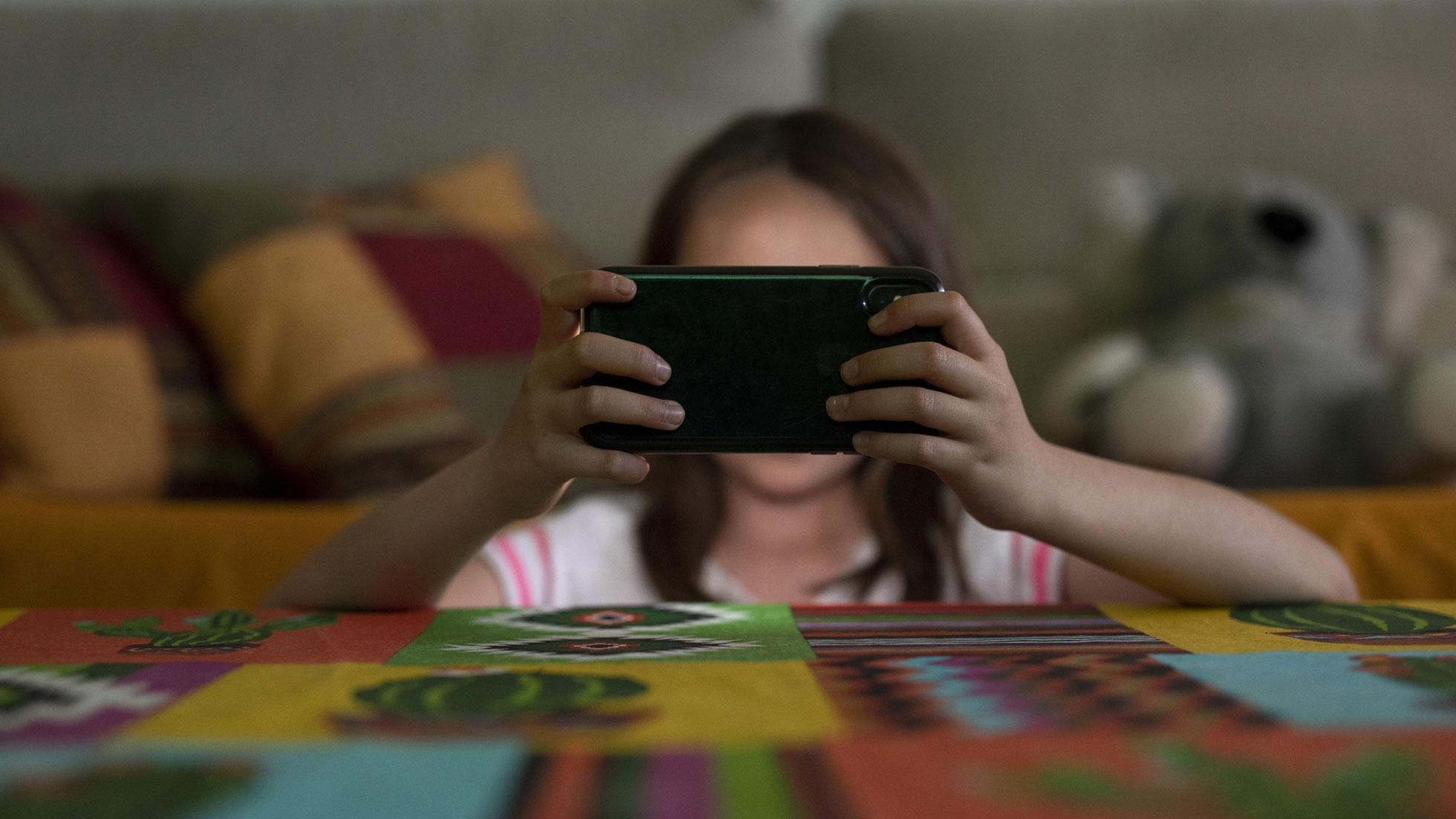 Violencia viral: los 9 tipos de violencia online | Save the Children
