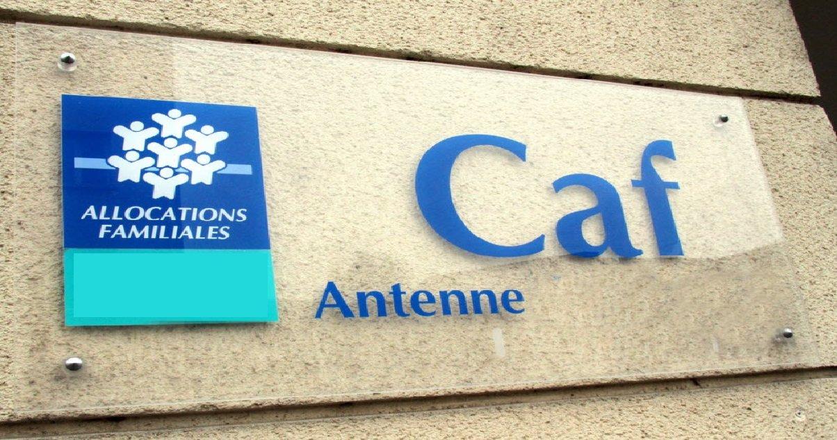 """caf.jpg?resize=412,232 - Selon les magistrats, 5 millions de """"fantômes"""" bénéficient de l'aide sociale en France"""