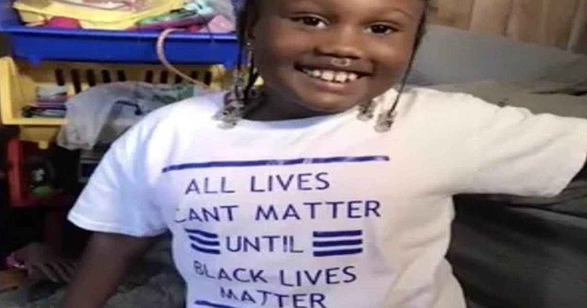 e18486e185aee1848ce185a6 2020 10 12t013725 726 1.jpg?resize=1200,630 - Mother Claims 6-Year-Old Daughter Was Kicked Out Of Daycare Center For Wearing BLM T-Shirt