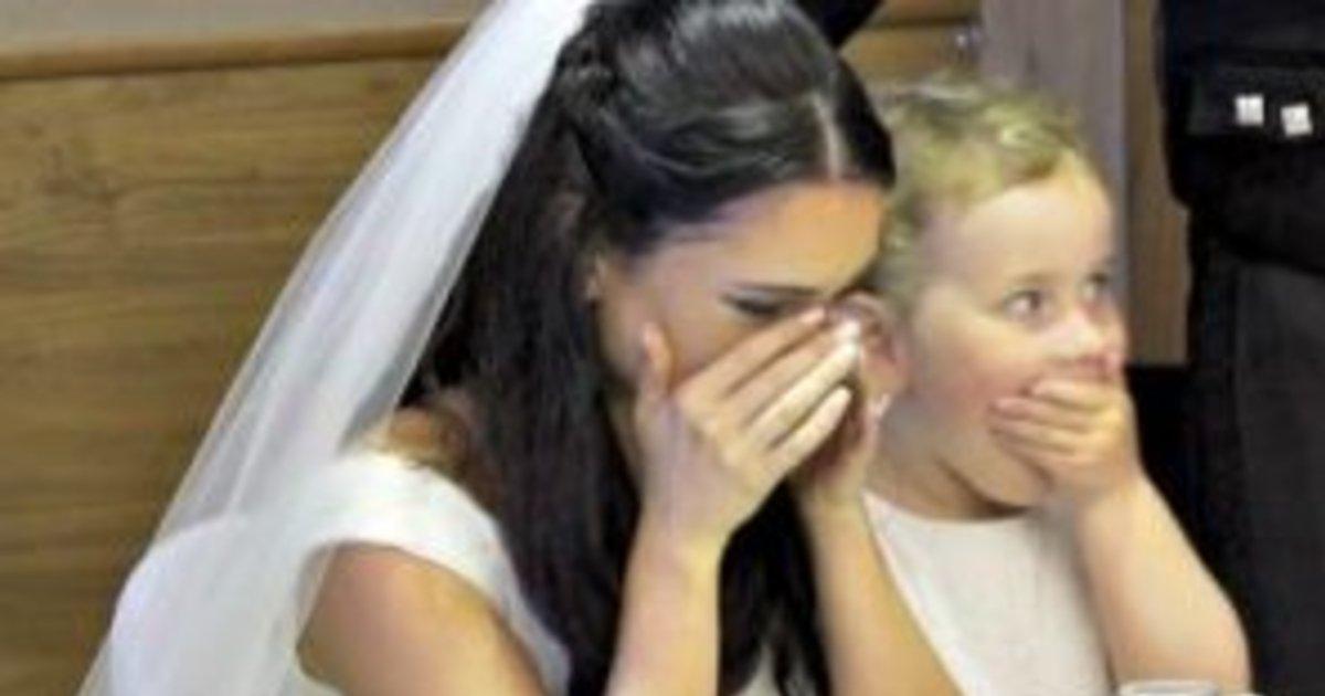 e18486e185aee1848ce185a6 75.jpg?resize=1200,630 - Groom Suddenly Leaves Wedding Hall, And Bride Has No Idea Why. Soon, She Begins To Tear Up