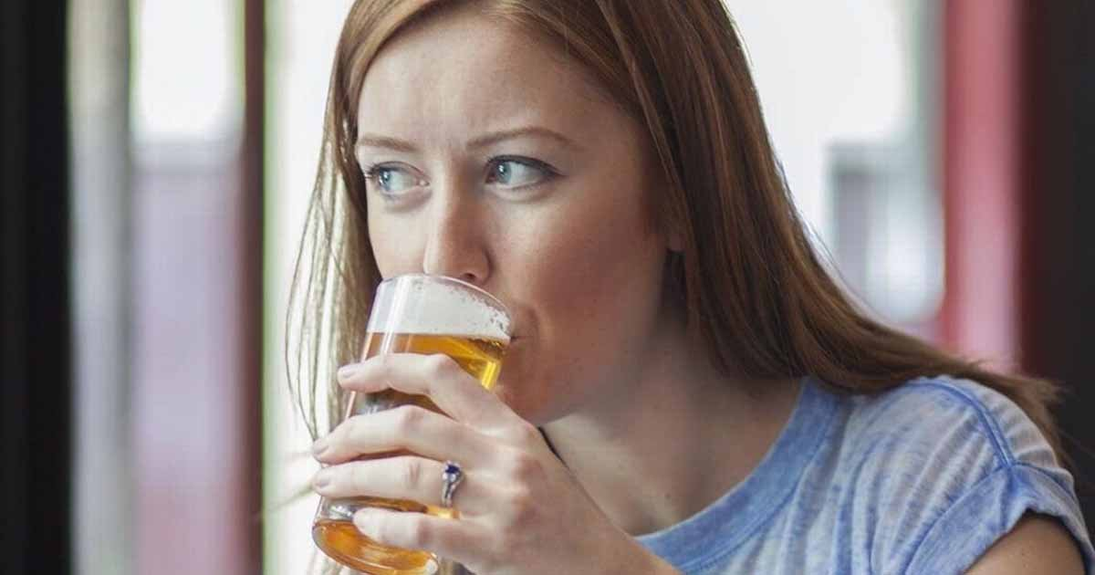 guidebeer.jpg?resize=412,232 - Mom Doesn't Back Down From Haters After Posting A Pic Of Her Baby Drinking Beer