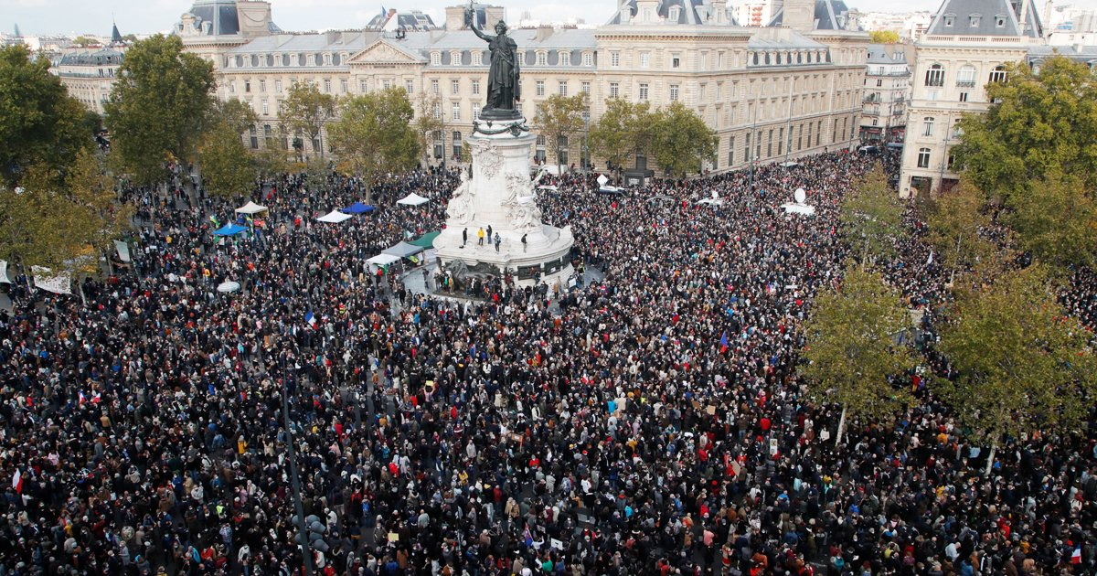 hsdgds.jpg?resize=412,232 - Thousands Of Demonstrators March Across France In Tribute To The History Teacher Beheaded On Friday