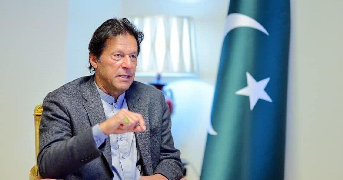 imran khan 1 1 1 e1603753571705.jpg?resize=300,169 - Le Premier ministre pakistanais demande à Facebook d'interdire les contenus islamophobes
