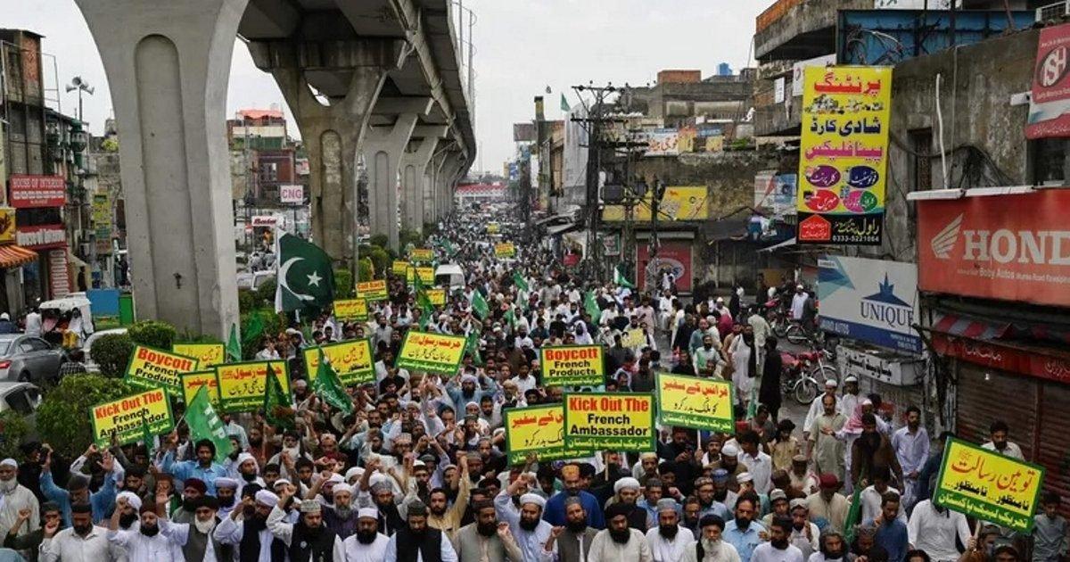 lhumanite e1603712884410.jpg?resize=300,169 - Caricatures de Mahomet : Le Pakistan convoque l'ambassadeur de France
