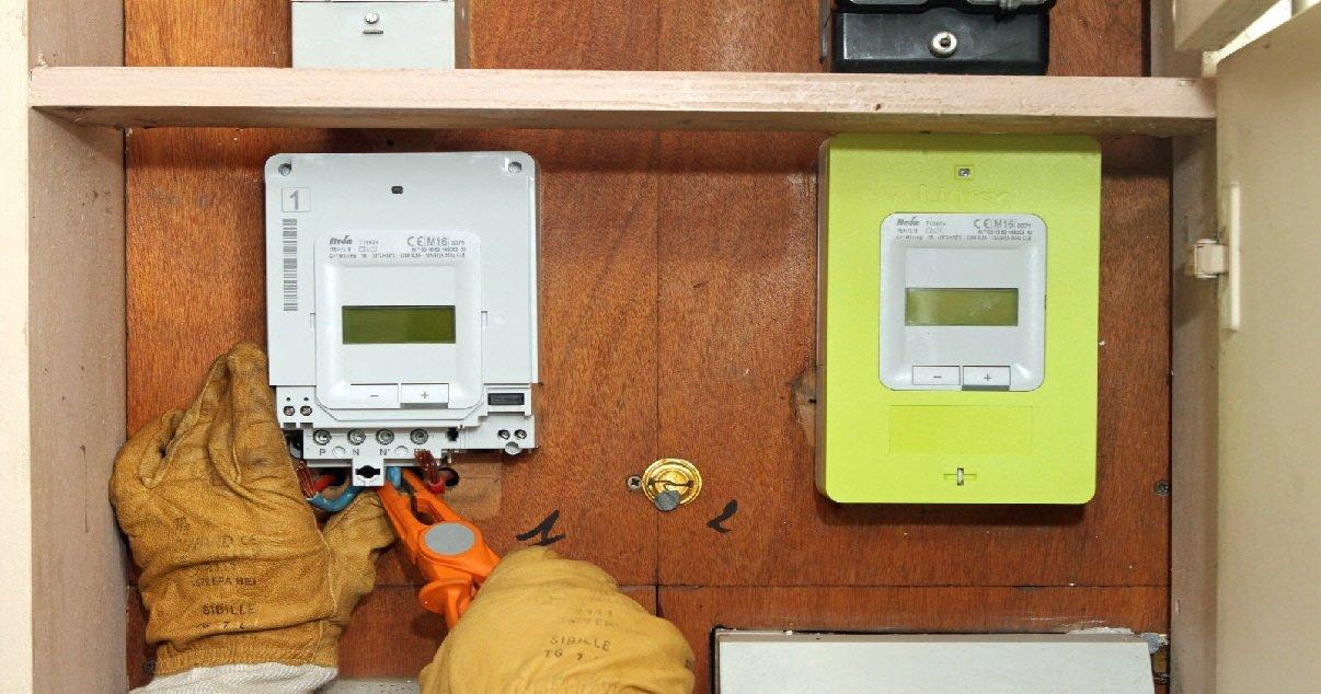 linky.jpg?resize=300,169 - Un homme a refusé l'installation d'un compteur Linky, il n'a plus d'électricité depuis un an