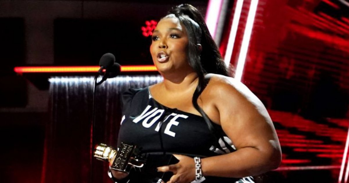 los angeles times getty images.png?resize=412,232 - Lizzo Delivered Powerful Speech At BBMAs, Praising 'Big Black Women' Refusing To Be Suppressed