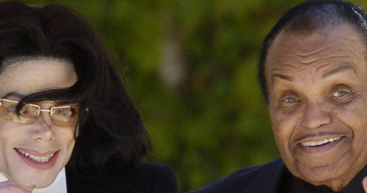 michael joe jackson e1601567181711.jpg?resize=412,232 - Le dentier du père de Michael Jackson a été vendu aux enchères