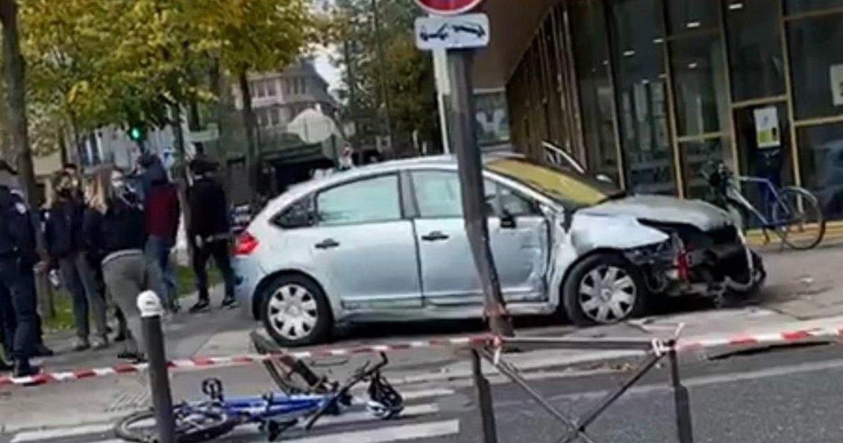 policier.jpg?resize=412,232 - Paris: un automobiliste a foncé délibérément en marche arrière sur des policiers