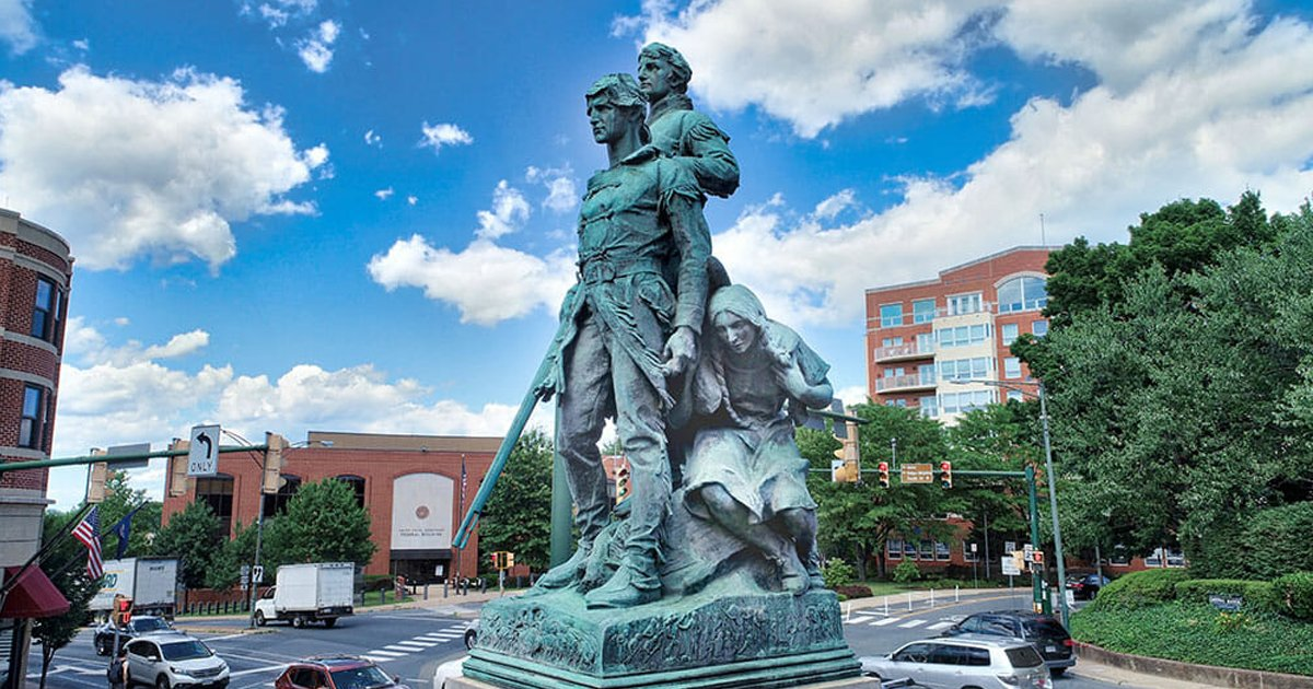 sdfsfs.jpg?resize=1200,630 - Angry Protestors At Charlottesville Want The 'Lewis & Clark' StatueTo Be Removed