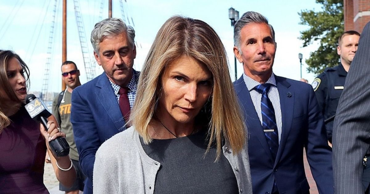untitled design 1 28.jpg?resize=1200,630 - Lori Loughlin Reports To Prison To Start Her 2-Month Sentence Over College Admissions Scandal