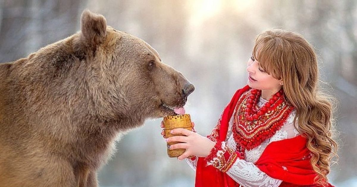 untitled design 10 1.jpg?resize=1200,630 - Abandoned Bear Becomes A Model After Being Rescued By Humans