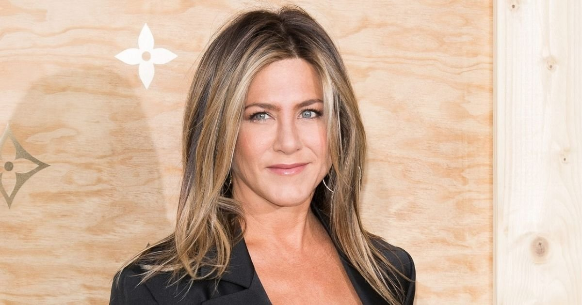 untitled design 2 12.jpg?resize=1200,630 - Jennifer Aniston Introduces Her New Family Member And Reveals His Name