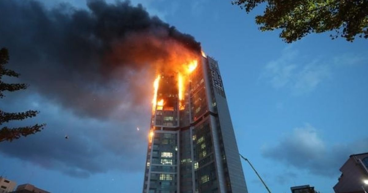 untitled design 5 3.jpg?resize=1200,630 - Massive Fire Erupts At Apartment Building With Hundreds Of People Inside