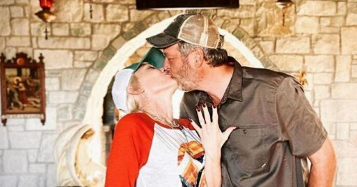 untitled design 8 3.jpg?resize=412,232 - Blake Shelton And Gwen Stefani Announce Their Engagement