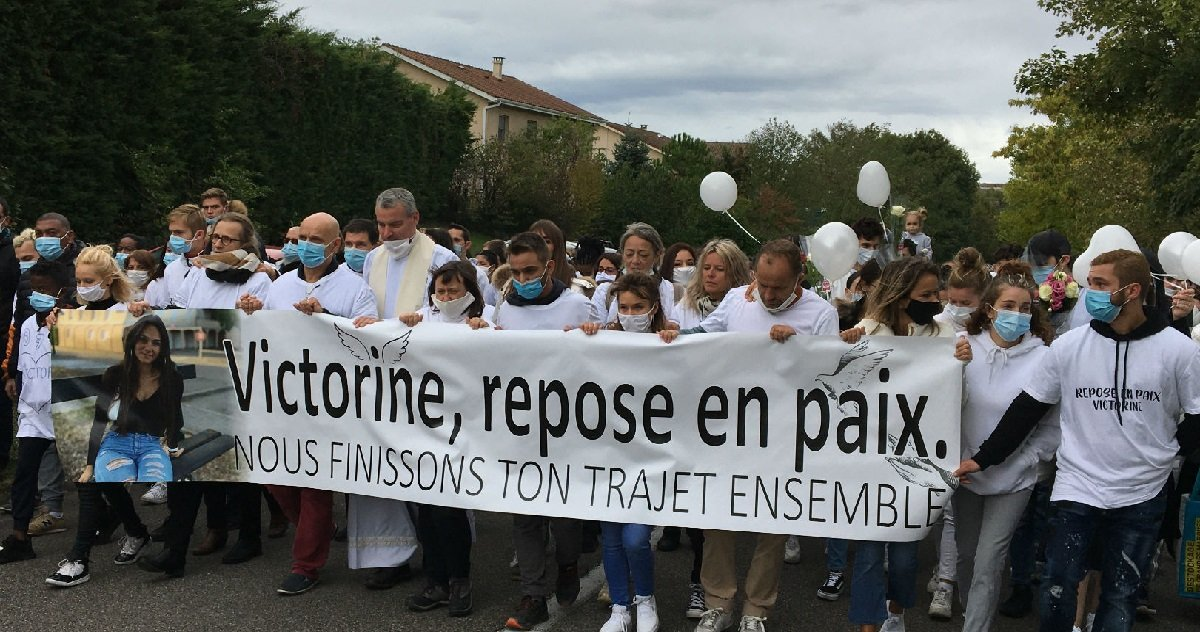 vic 1.jpg?resize=1200,630 - Lors de la marche blanche pour Victorine Dartois, son frère a livré un témoignage bouleversant