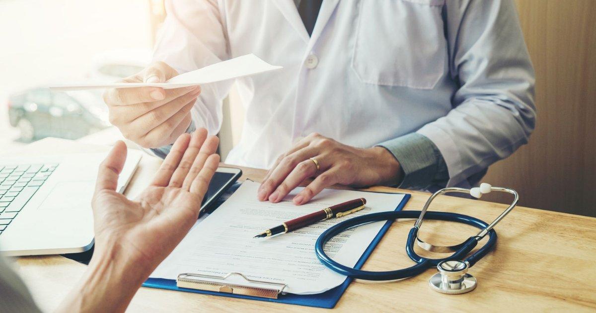 vonjour6 2.png?resize=1200,630 - Covid-19 : un médecin qui ne portait pas le masque aurait contaminé une centaine de patients
