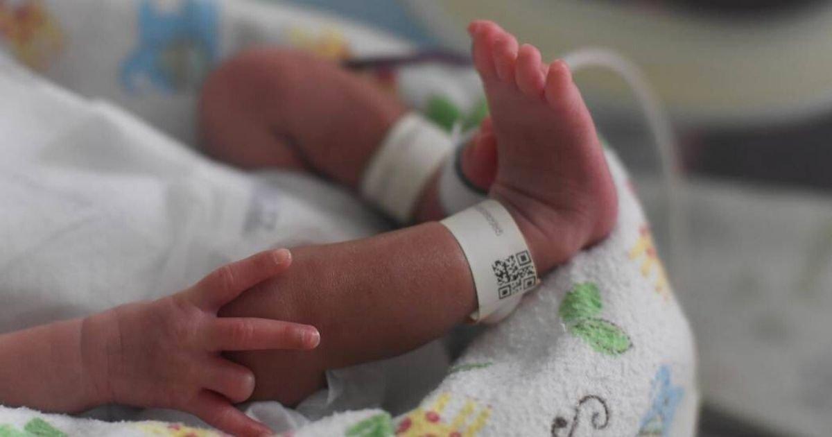 """1 119.jpg?resize=1200,630 - Bebé Que Nació Con Dos """"Partes Masculinas"""" Y Dos Rectos Tiene A Los Doctores Asombrados"""