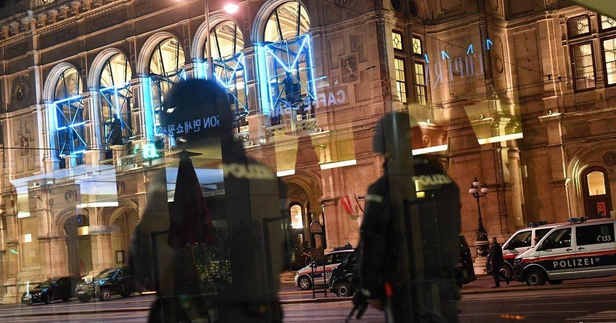 1604382715 at least three deaths in vienna terrorist attack the perpetrator e1604426272818.jpg?resize=1200,630 - Attaque terroriste à Vienne : au moins quatre morts et vingt-deux blessés